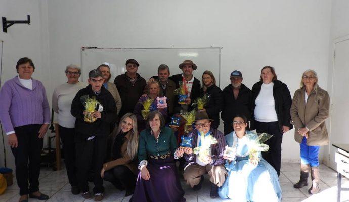 SEC. EDUCAÇÃO: Semana Especial: Atividades com o Grupo de Convivência das Pessoas com Deficiência